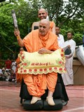 Swamishri waves 'chhadi'