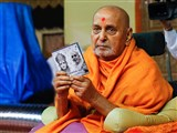 Swamishri inaugurates an audio publication 'Param Ekantik Avya'