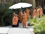 HH Pramukh Swami Maharaj on his way for Thakorji's darshan