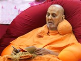 Swamishri sanctifies puja and kathis, for the next day's Diksha utsav