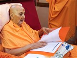 Swamishri sanctifies documents