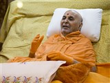 Swamishri blesses devotees, 'May Bhagwan Swaminarayan grant peace and well-being to everyone.'