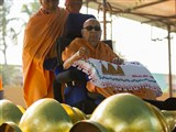 Swamishri performs pujan of flagstaffs and kalash for BAPS Shri Swaminarayan Mandir, Jamnagar