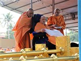 Swamishri sanctifies flagstaffs for new shikharbaddh BAPS Shri Swaminarayan Mandir, Mahuva, India