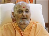 Swamishri in a divine mood in the evening