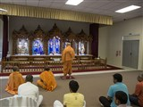 Pujya Ishwarcharan Swami performs arti of Thakorji, Wellington