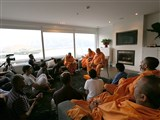 Pujya Ishwarcharan Swami delivers a discourse