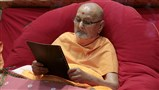 Swamishri reads 'Nilkanth', a newsletter for kishores