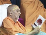 Swamishri inaugurates a video publication 'Phoolon ke Aansoo'