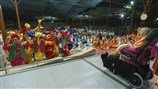 Kids perform a traditional dance before Swamishri