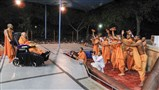 Sadhus rejoice before Swamishri