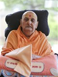 HH Pramukh Swami Maharaj performs his puja on the morning of Guru Purnima