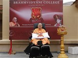 Swamishri inaugurates shibir 'Brahmavidyani College' for youths from USA