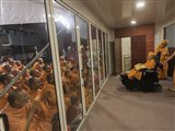 HH Pramukh Swami Maharaj arrives at BAPS Shri Swaminarayan Mandir, Gandhinagar, at night