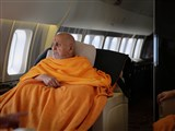 Swamishri enroute to USA