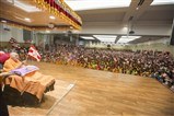 Devotees rejoice before Swamishri in the evening