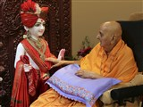 Swamishri performs pratishtha rituals of murti to be consecrated at BAPS Shri Swaminarayan Mandir, Sacramento, CA, USA