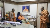 Swamishri visits the mandir administrative office
