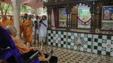 Swamishri engrossed in darshan at assembly hall