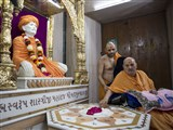 Swamishri at the Yagnapurush Smruti Mandir