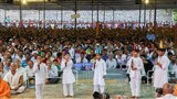 Kids perform before Swamishri