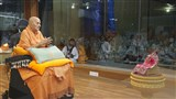 Swamishri engrossed in darshan of Shri Harikrishna Maharaj in evening