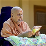 "Swamishri inaugurates an English print publication, ""Impressions"""
