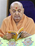 "Swamishri inaugurates an English print publication, ""Hinduism - Sacred Places and Holy Rivers"""