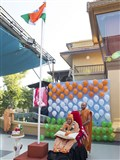 Swamishri performs flag hoisting ceremony