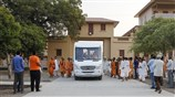 Swamishri on his way to the BAPS Swaminarayan Vidyamandir school