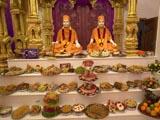 Brahmaswarup Shastriji Maharaj and Pragat Brahmaswarup Pramukh Swami Maharaj