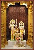 Shri Sita-Ram and Shri Hanumanji