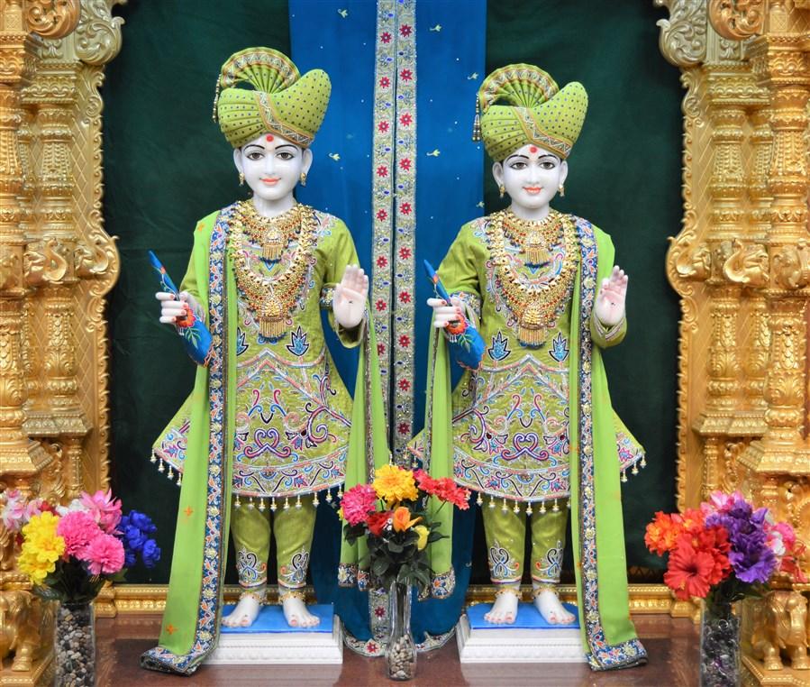 Bhagwan Swaminarayan and Aksharbrahman Gunatitanand Swami