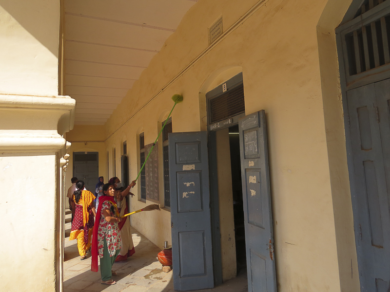 BAPS Cleanliness Drive (Women's Wing), Karamsad