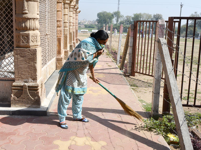 BAPS Cleanliness Drive (Women's Wing), Bareja