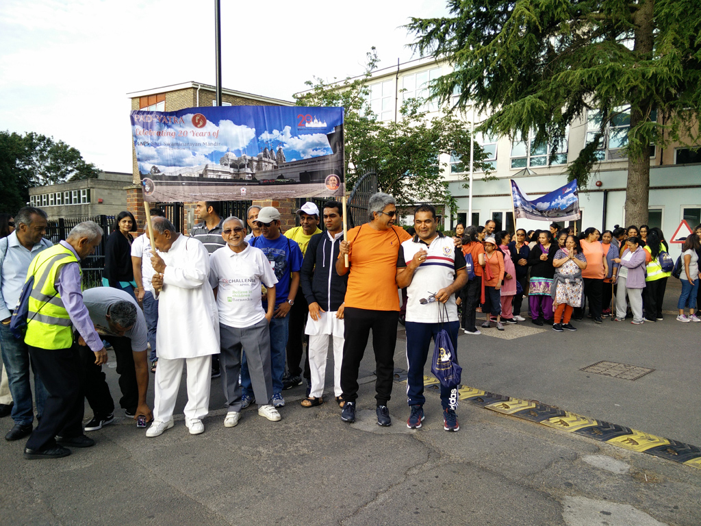 Pad-yatra to London Mandir from West London