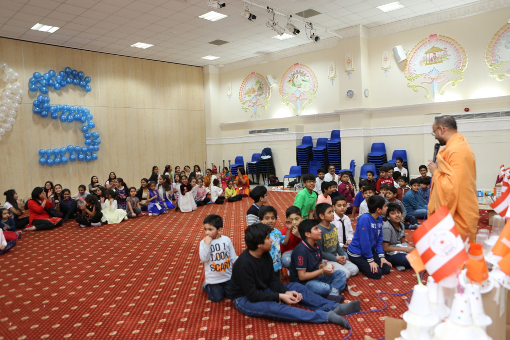 Pramukh Swami Maharaj 95th Birthday Celebrations, Wellingborough Bal-Balika Mandal, UK