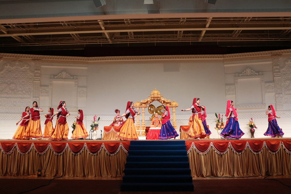 Pramukh Swami Maharaj 95th Birthday Celebrations (Mahila Mandal), London, UK