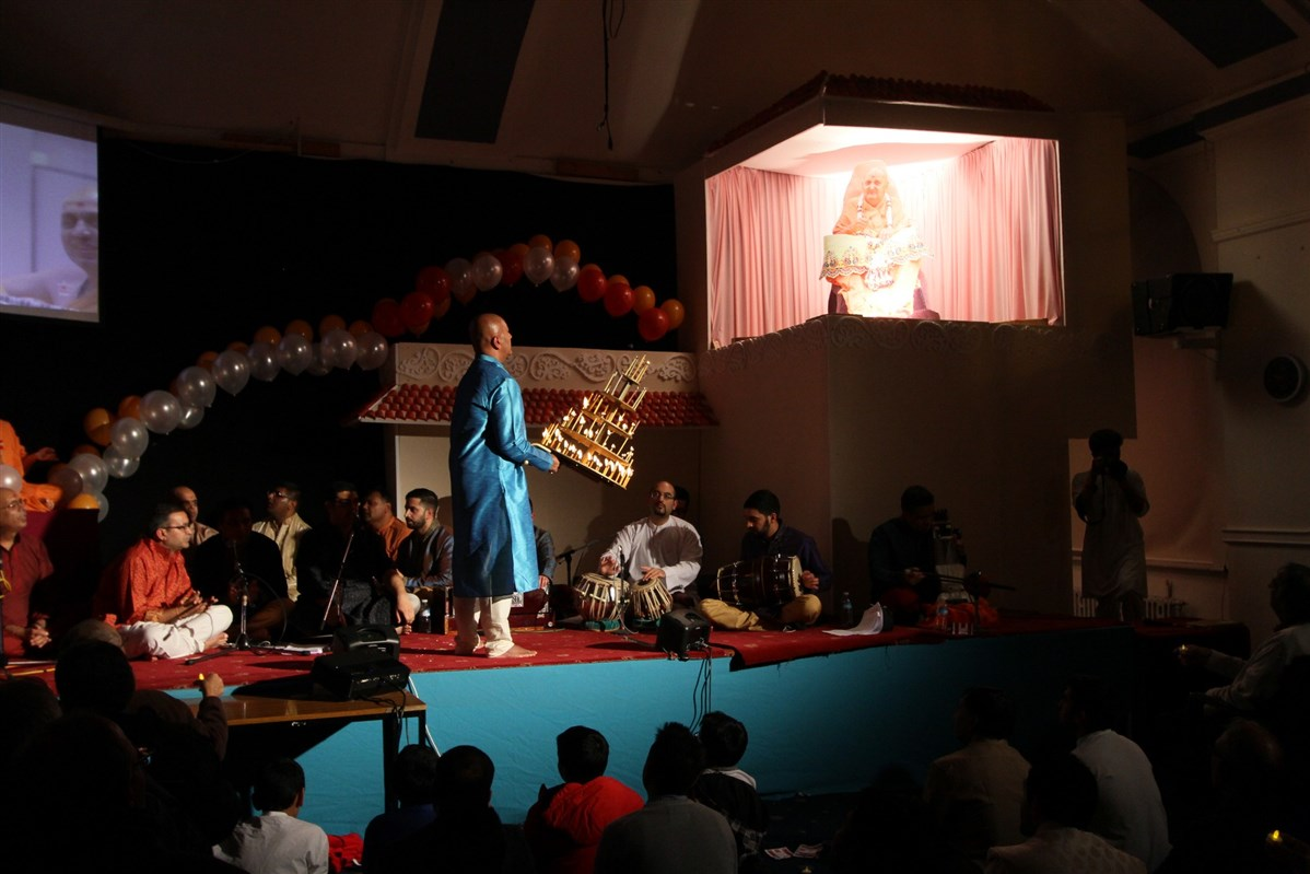 Pramukh Swami Maharaj 95th Birthday Celebrations, Birmingham, UK