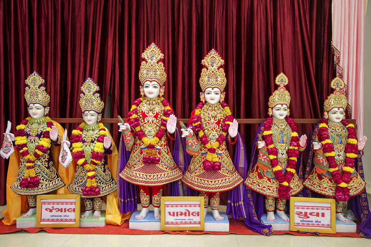 Murtis to be consecrated for BAPS Shri Swaminarayan Mandirs in Jantral, Pamol and Chuva, India