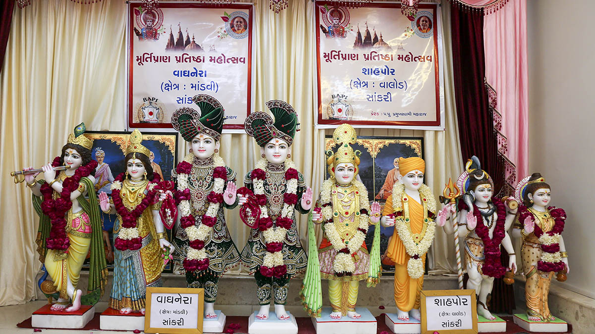 Murtis to be consecrated for new BAPS Shri Swaminarayan Mandir, Vaghnera and Shahpore (Sankari), India