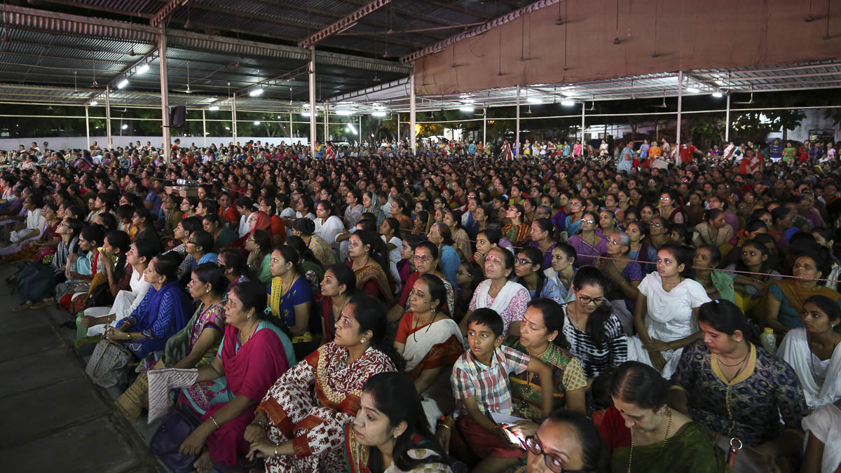 Devotees during the assembly, 25 Aug 2016