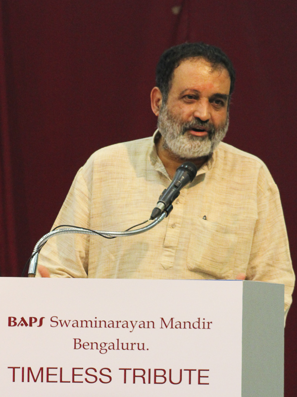 Shri Mohandas Pai addresses the assembly