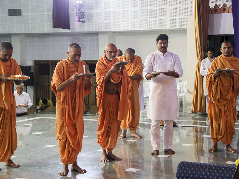 Tribute Assembly in Honor of HH Pramukh Swami Maharaj, Silvassa
