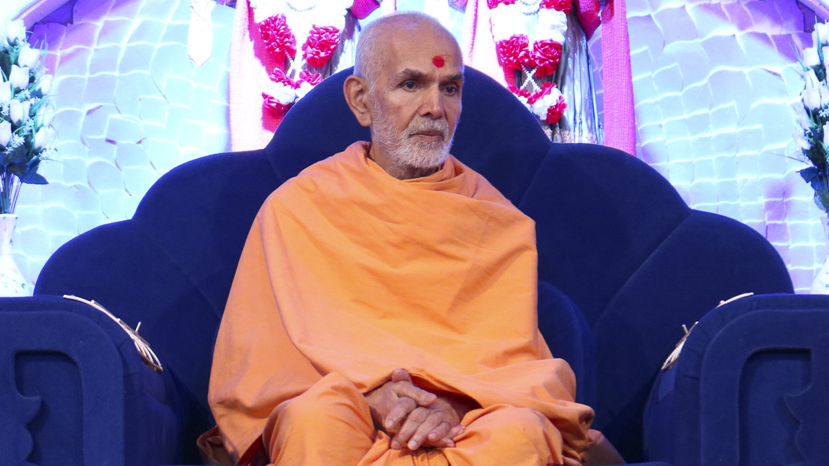 Param Pujya Mahant Swami during the welcome assembly, 6 Oct 2016