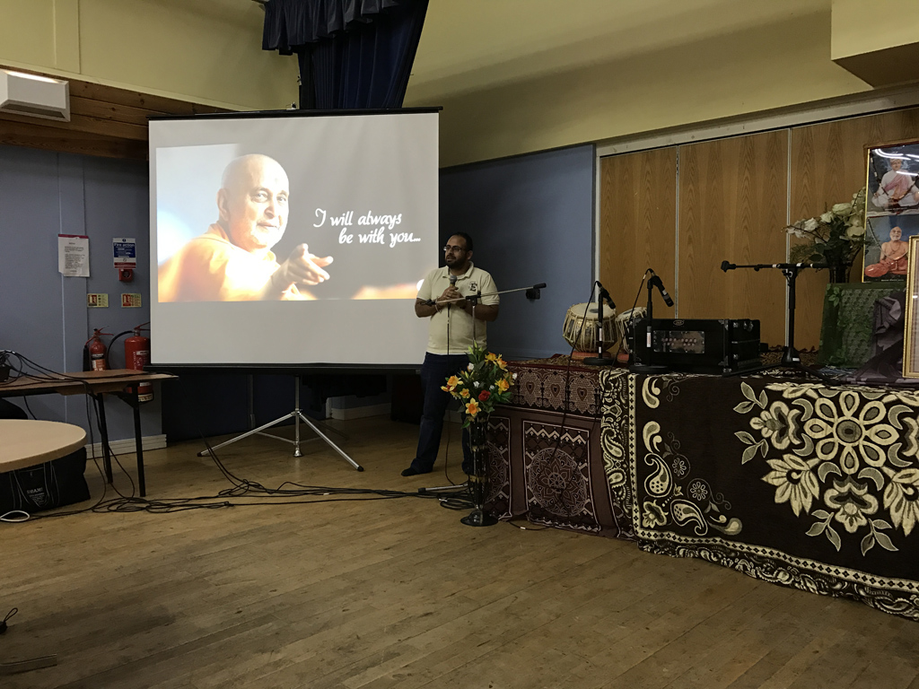 Tribute Assembly in Honour of HH Pramukh Swami Maharaj, Watford, UK