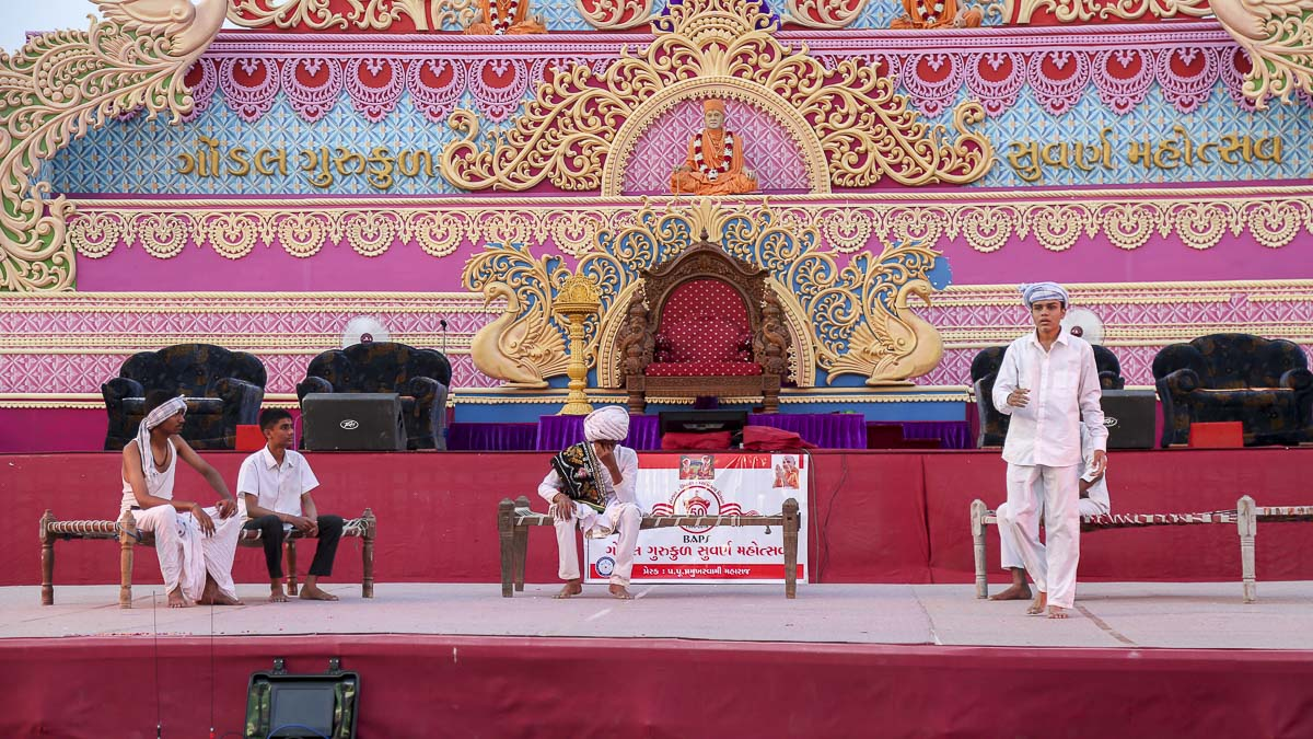 Cultural program presented during the Swami Gnanjivandasji Gurukul Suvarna Mahotsav celebration assembly in the evening, 5 Nov 2016