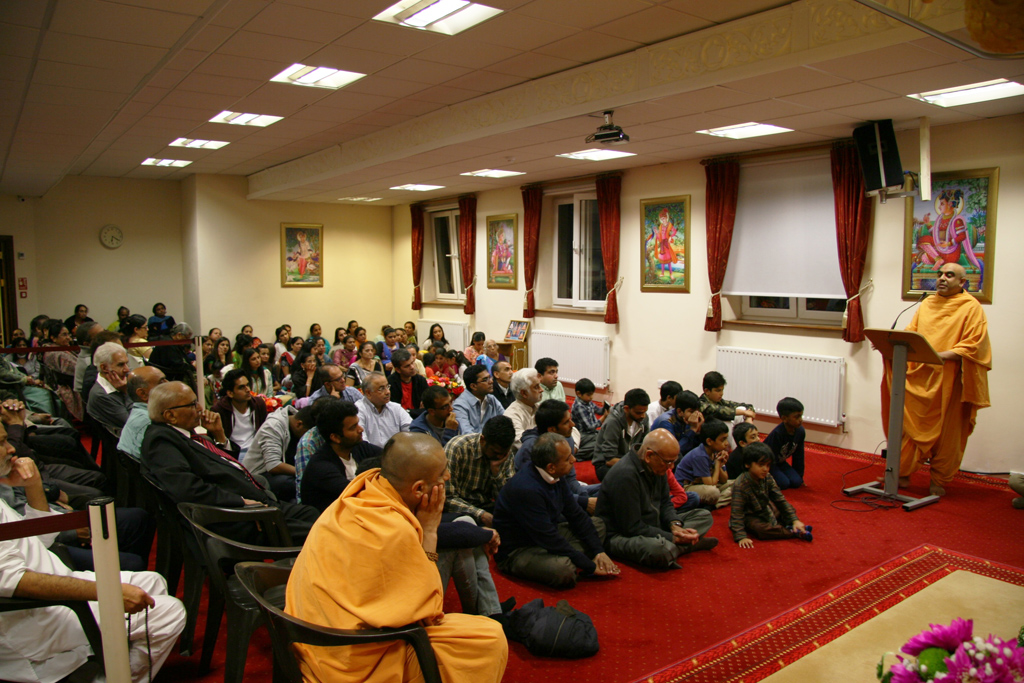 Tribute Assembly in Honour of HH Pramukh Swami Maharaj, Southend-on-Sea, UK