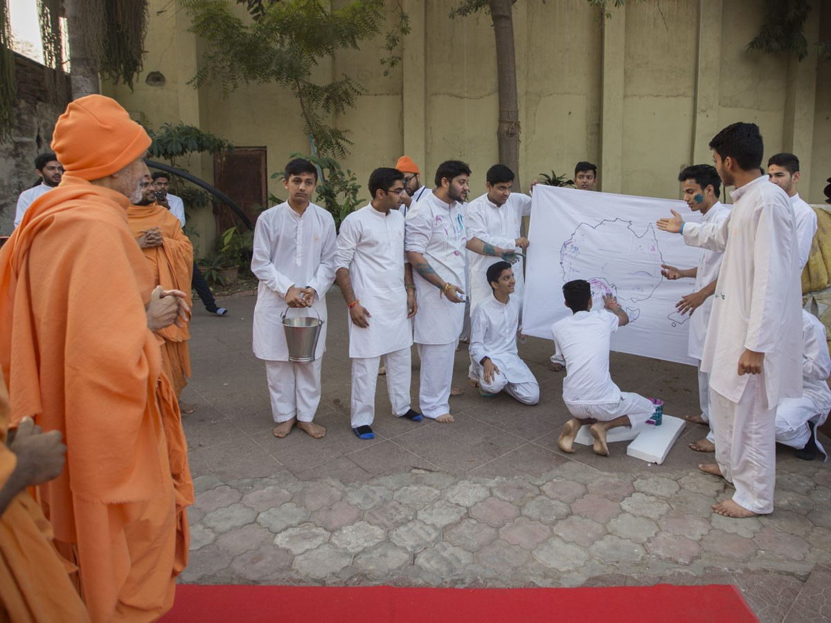 A skit presentation by youths from Australia and New Zealand before Param Pujya Mahant Swami Maharaj, 5 Jan 2017