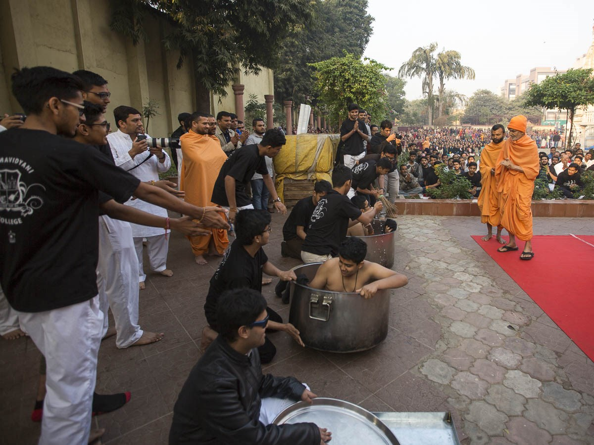 A skit presentation by youths before Param Pujya Mahant Swami Maharaj, 6 Jan 2017